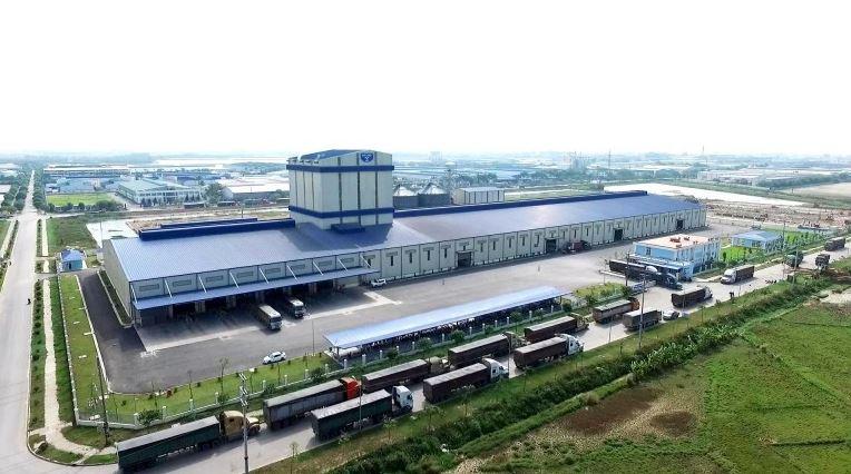 nhà máy thức ăn chăn nuôi hòa phát